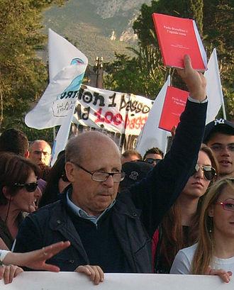 Salvatore Borsellino ad una manifestazione contro la mafia